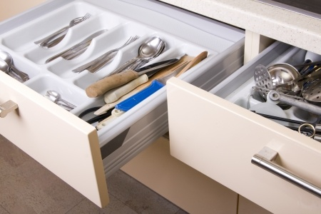 6 tips for kitchen organizing.