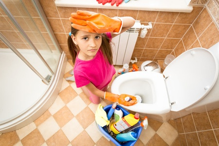 Bathroom chores for kids by age.