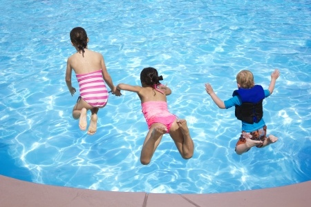 10 Pool Safety Tips for Kids