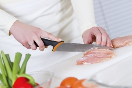 4 kitchen food safety tips.