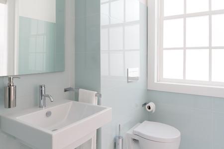 Easy bathroom organizing tips.